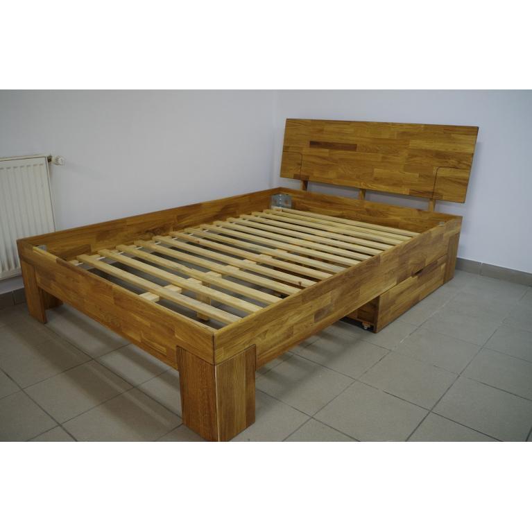 Stelaże drewniane z 20 desek złączonych taśmą